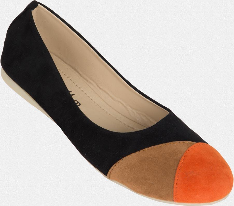BUY ANY 2 WOMEN'S FOOTWEAR & GET ONE FREE