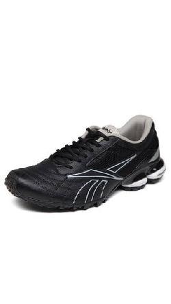 Reebok Black Sports Shoes at Rs 2299.