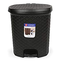 Get Cello Classic Plastic Pedal Dustbin, Black,12 Liters at Rs 605 | Amazon Offer